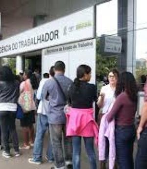 Cerca de 25% dos desempregados procuram emprego há mais de dois anos