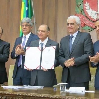 http://www.fttresp.org.br/noticia/alckmin-preve-que-vlt-da-baixada-tera-operacao-controlada-em-marco