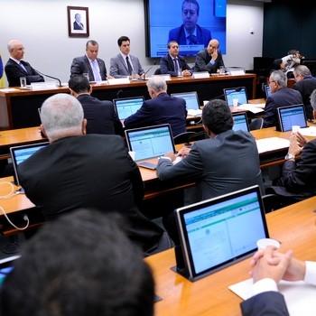 http://www.fttresp.org.br/noticia/reforma-trabalhista-comissao-discute-direito-coletivo-de-trabalho